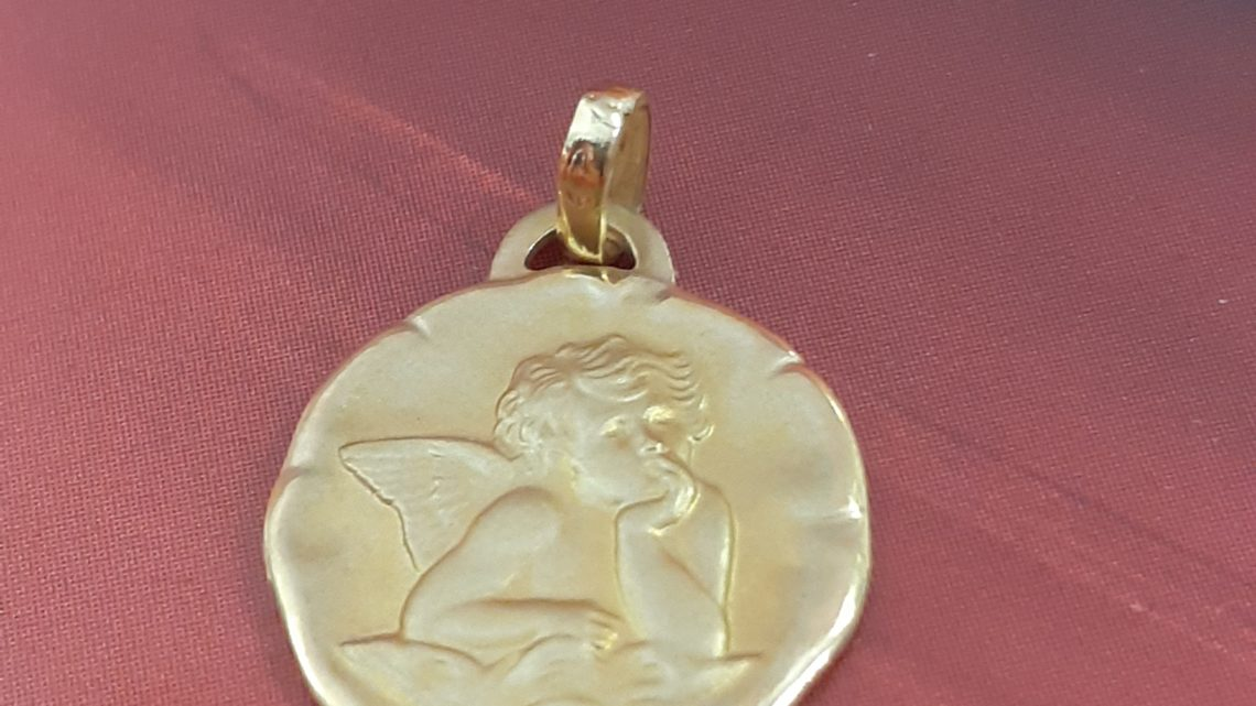 Médaille religieuse 18k